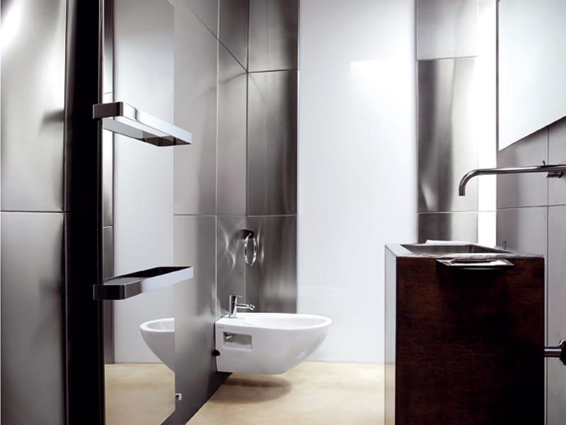 Ice bagno inox reflex di caleido ai saloni 2012 for Termoarredo elettrico bagno design