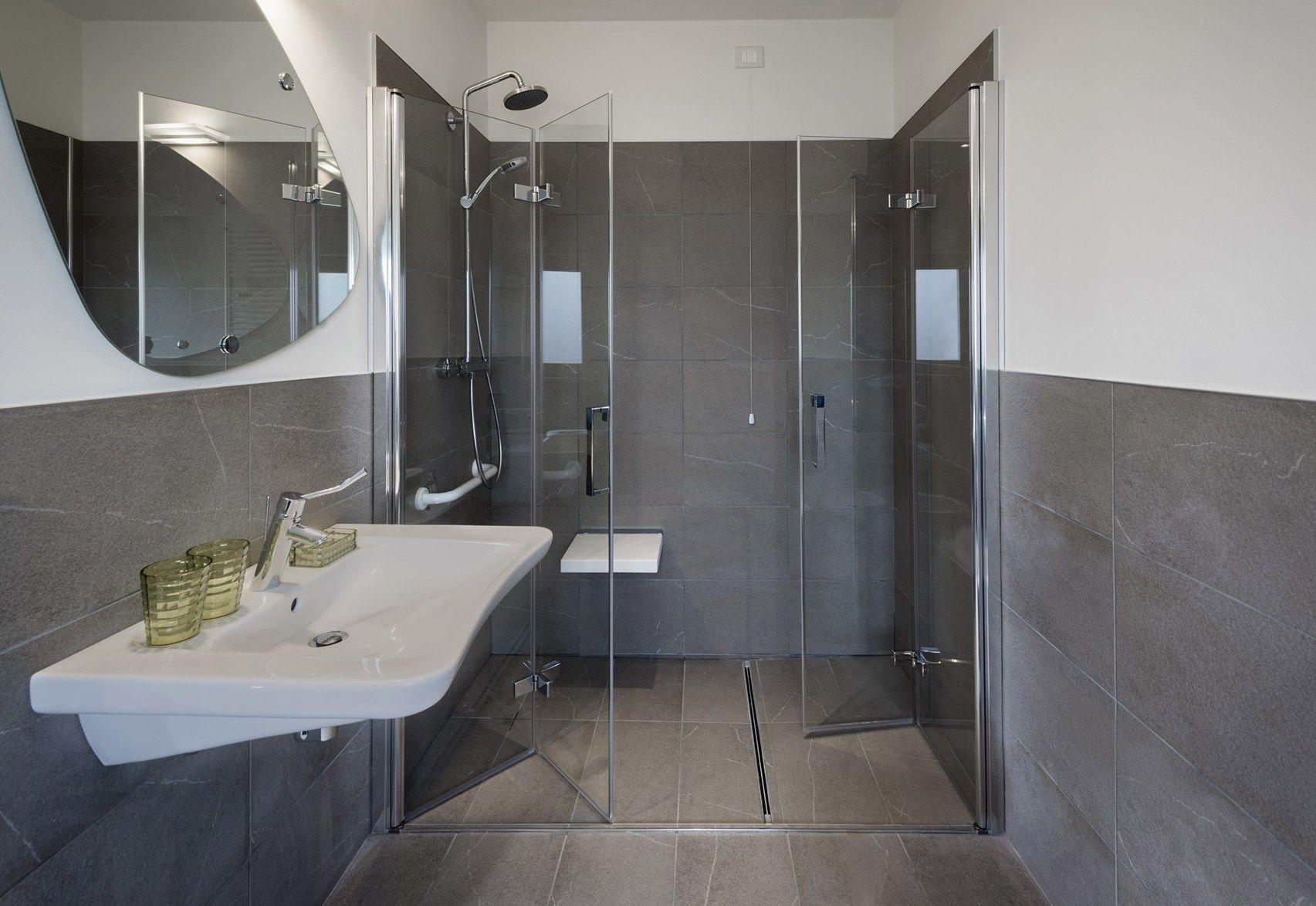 Ingresso moderno con muretto - Altezza mattonelle bagno ...