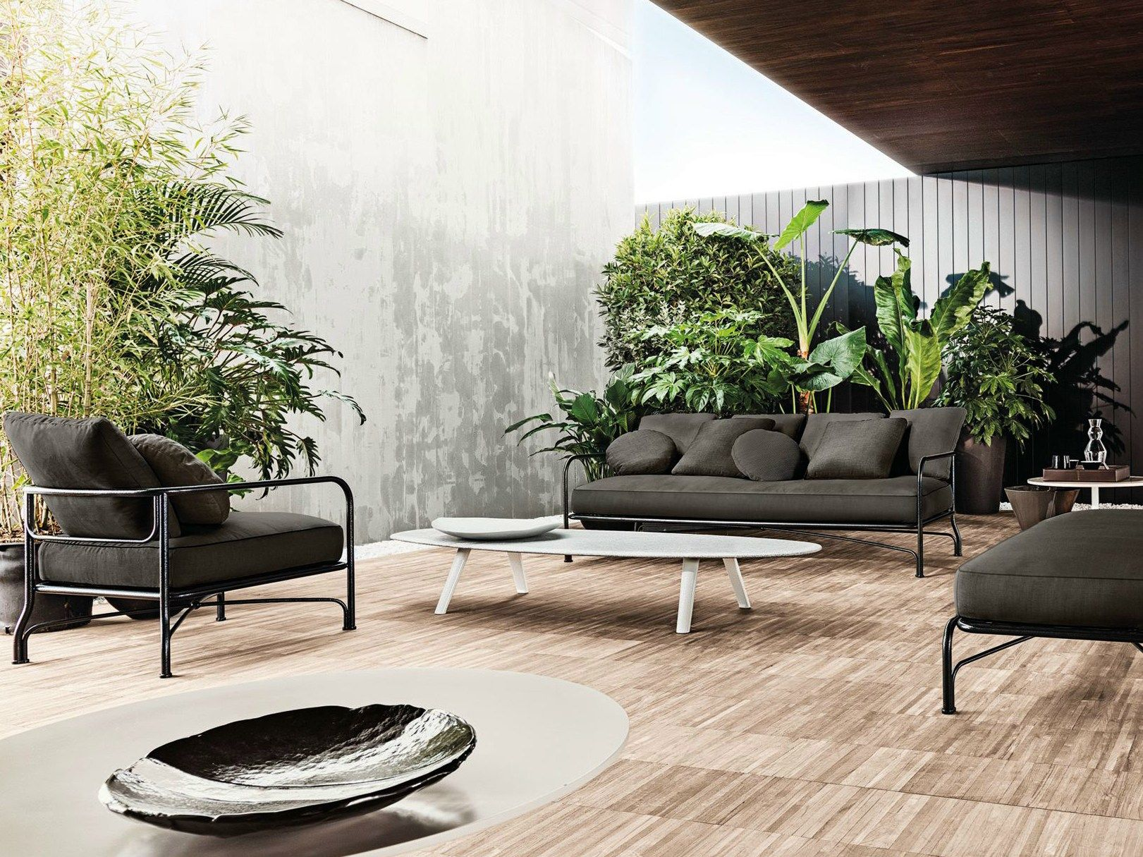Le parc outdoor collection by minotti for Arredi outdoor