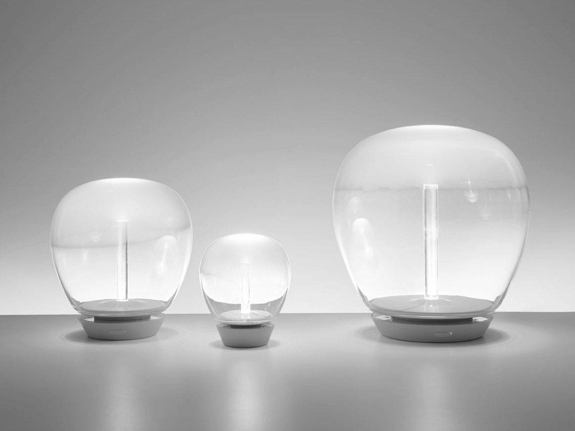 IN-EI Issey Miyake, la collezione di lampade firmata Artemide