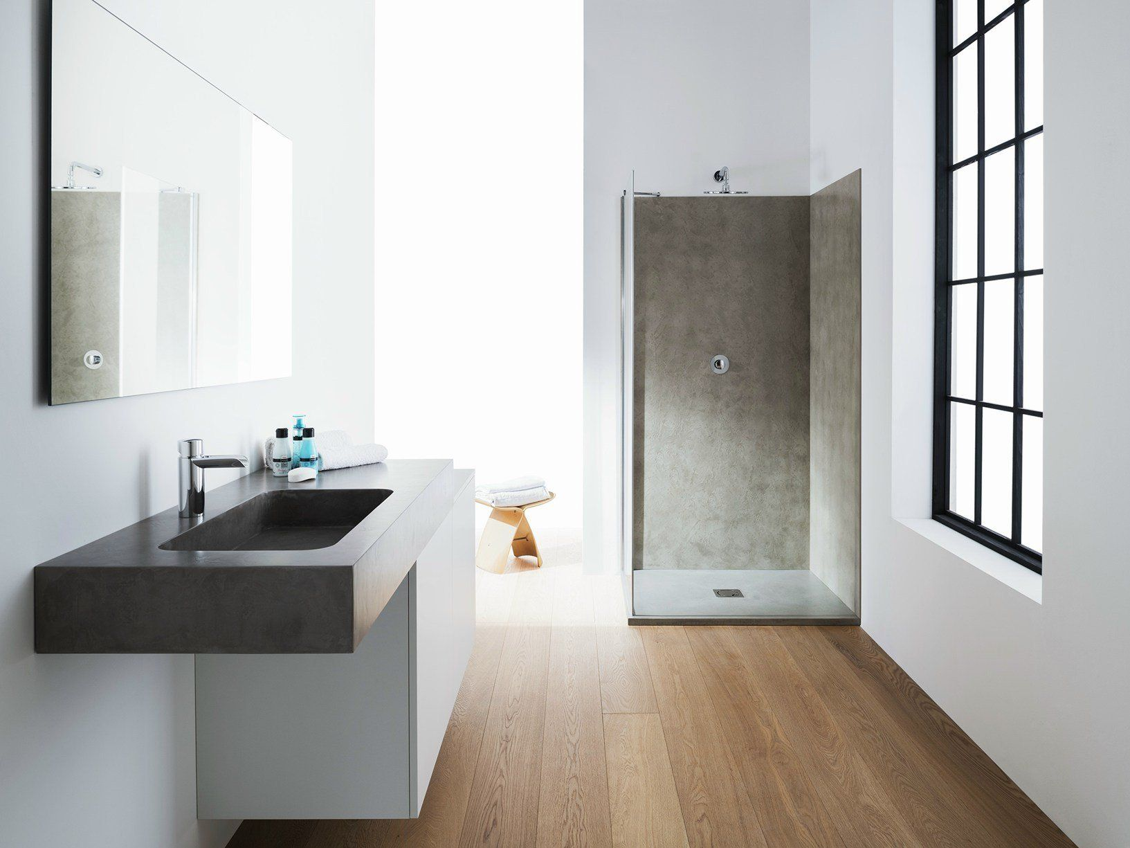 Microtopping per il bagno d 39 ispirazione minimal for Mobile bagno minimal