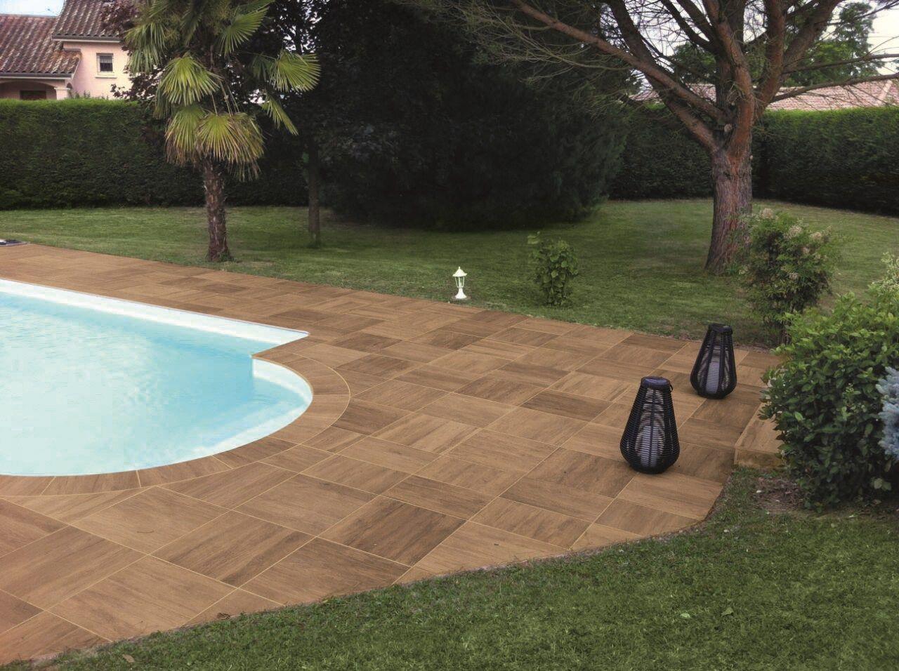 Pavimenti spessorati per piscine e aree benessere - Mattonato per giardino ...