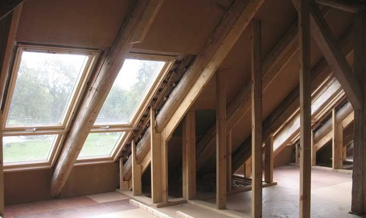 Mansarde e sottotetti le soluzioni per guadagnare nuovi spazi - Altezza parapetti finestre normativa ...