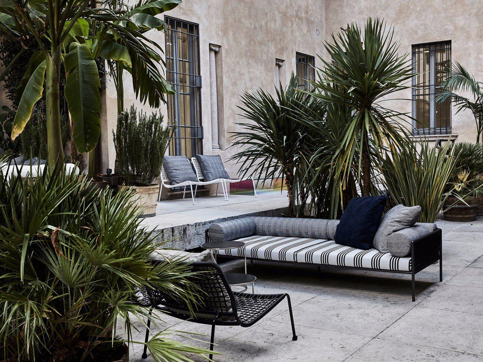 Living divani per elle decor grand hotel for Elle decor interni