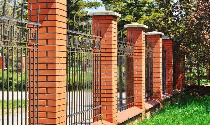 Permesso di costruire, serve per le recinzioni?