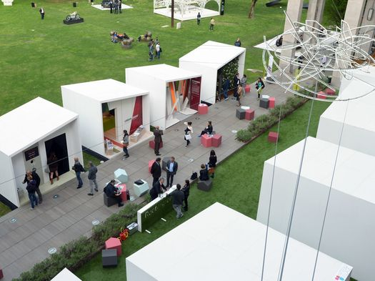 Fuorisalone 2015 superstudio pi ospita materials village for Superstudio arredamento