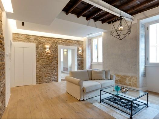Roma un appartamento di charme in via sistina for Piccoli piani di casa storica