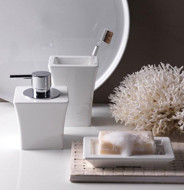 Astoria by regia tanti nuovi accessori per vivere il bagno - Regia accessori bagno ...