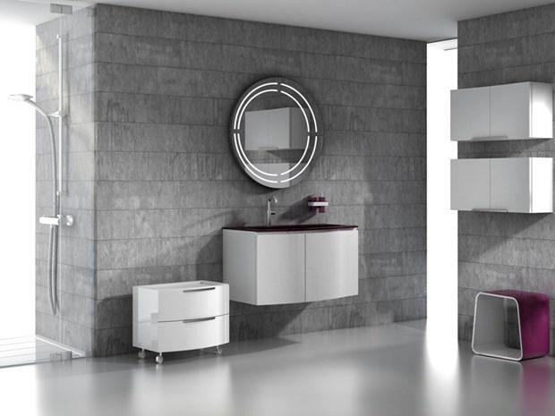 Regia_anteprima salone 2012_Batik light in mdf laccato lucido bianco con piano lavabo in vetroghiaccio® mirtillo