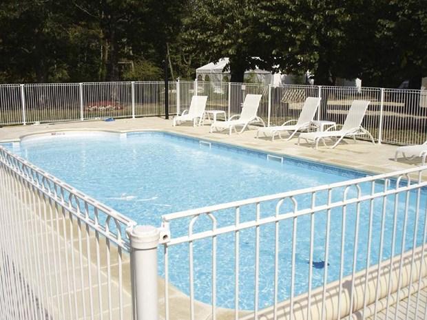 bekazur 2d di betafence bellezza e sicurezza a bordo piscina On piscina 2d