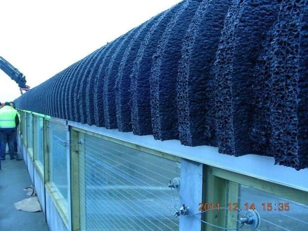 Stratocell whisper l 39 innovativo pannello fonoassorbente per esterni - Pannelli fonoassorbenti per giardino ...