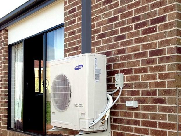 Condizionatori con unit esterna senza scia multato anche for Condizionatori senza motore esterno