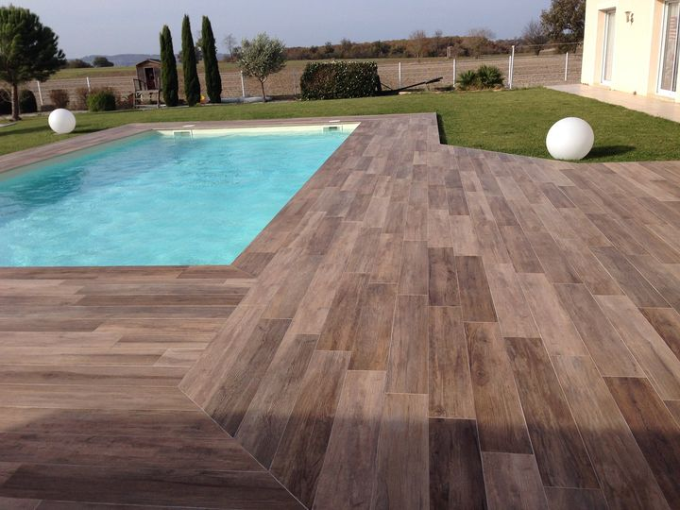 Pavimenti spessorati per piscine e aree benessere - Piscina sopra terra ...