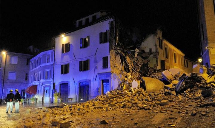 Edificio crollato a Camerino (foto La Presse)