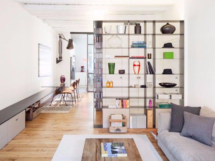 Un appartamento della vecchia milano rivisto da colorni for Case fatte da architetti