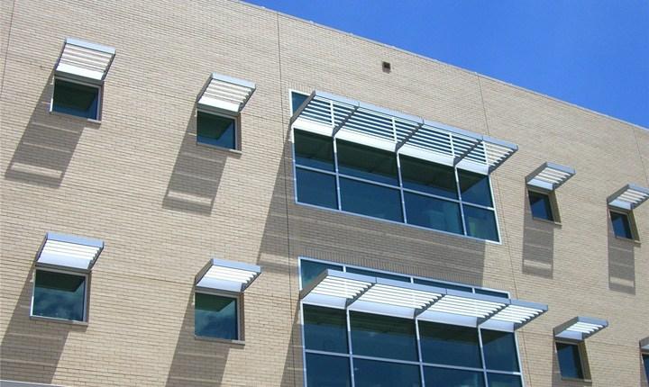 Tende da sole e distanze tra edifici, i diritti dei vicini vanno ...