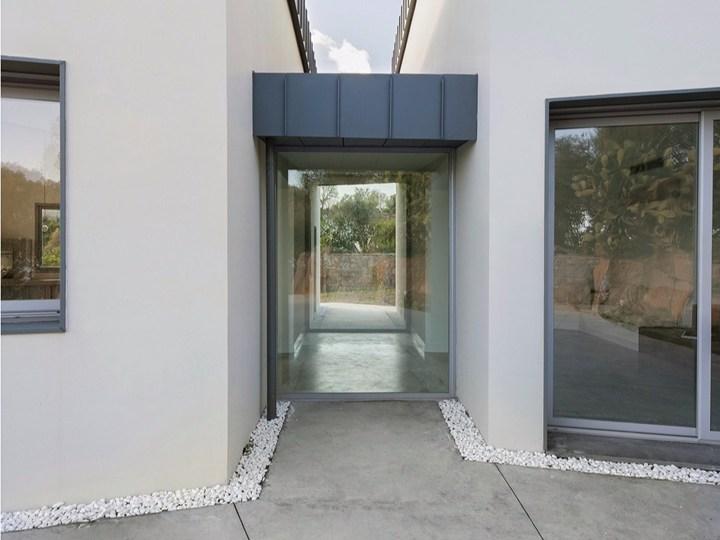 Villa RP: variazione della architettura rurale della masseria