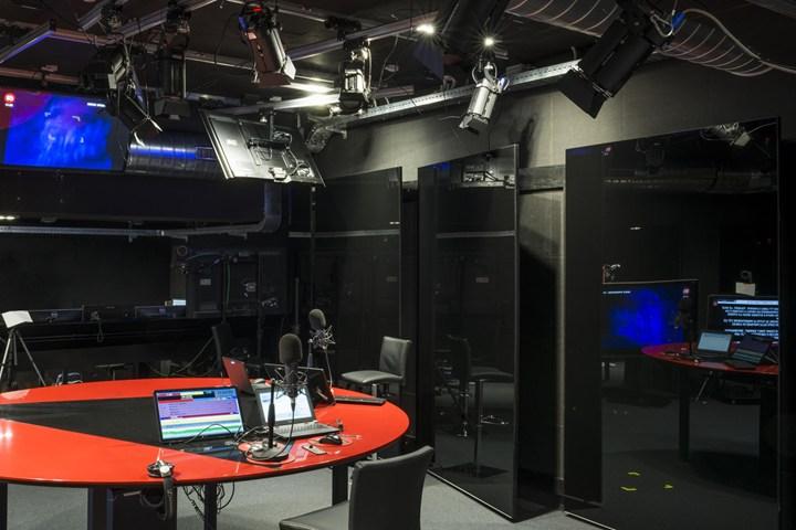 Lo studio di registrazione di RTL 102.5 si illumina di luce GEWISS