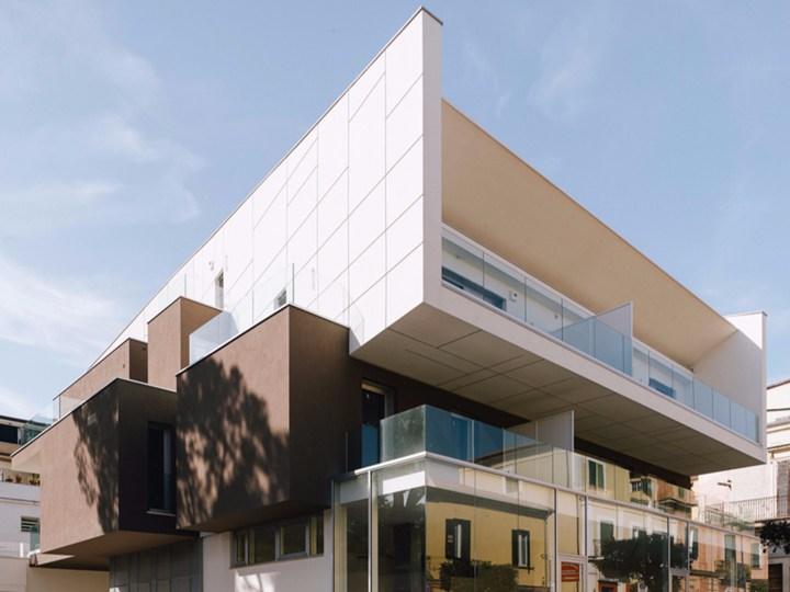 A Giulianova l'edificio VGramsci di Giovanni Vaccarini