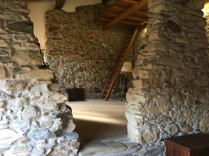 Decorstone di bernardelli anche per gli interni - Case in pietra interni ...