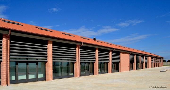 Nella nuova sede del Consiglio Regionale della Puglia finestre da tetto FTU-V P5 di Fakro