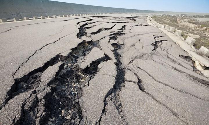 Ricostruzione delle strade danneggiate dal sisma, entro luglio cantieri per 40 milioni