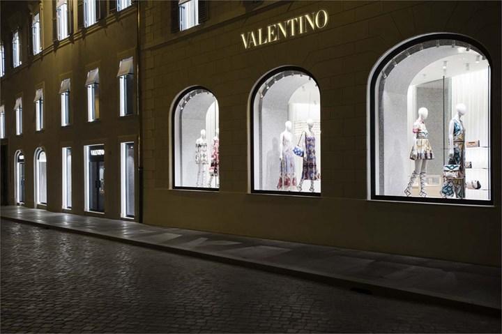 Laterlite per la nuova boutique romana di Valentino