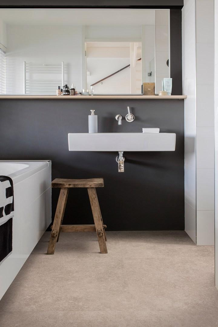 caldo decoro effetto pietra per le superfici viniliche berryalloc. Black Bedroom Furniture Sets. Home Design Ideas