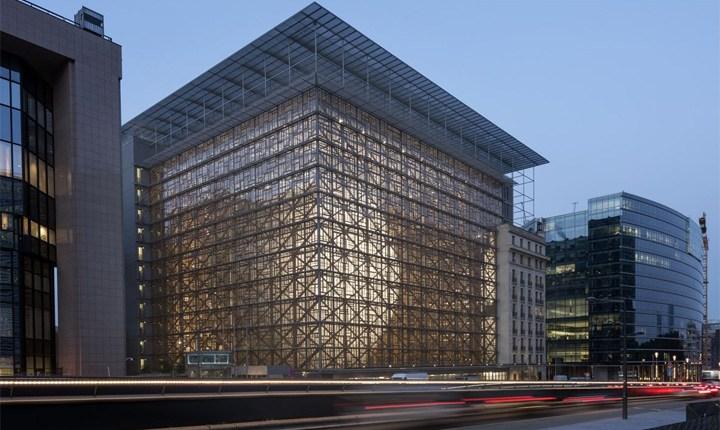 Prestazione energetica in edilizia, la UE punta su ristrutturazione ed edifici intelligenti