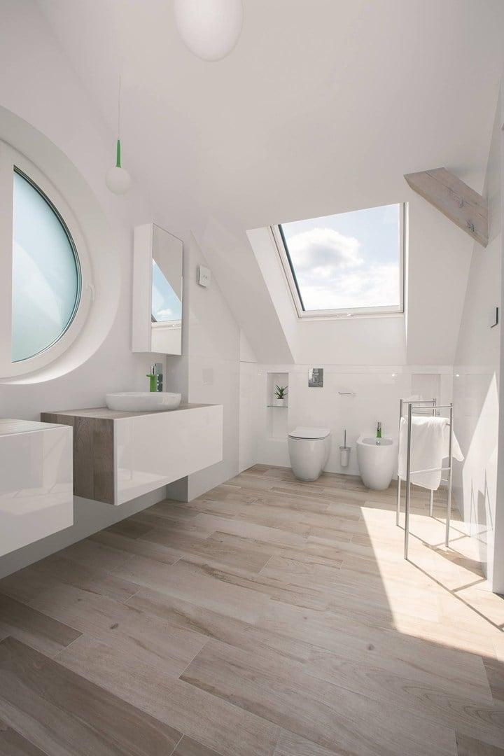 Fakro presenta la finestra da tetto ptp v in pvc for Finestra nel tetto