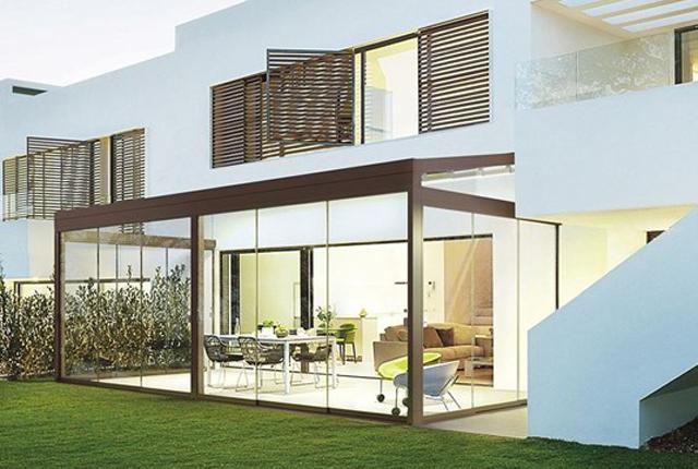 Schermature solari come sceglierle for Casa moderna vetrate
