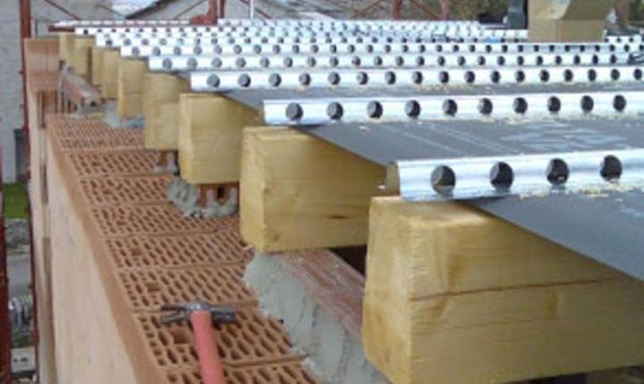 Consolidamento solai e strutture in legno