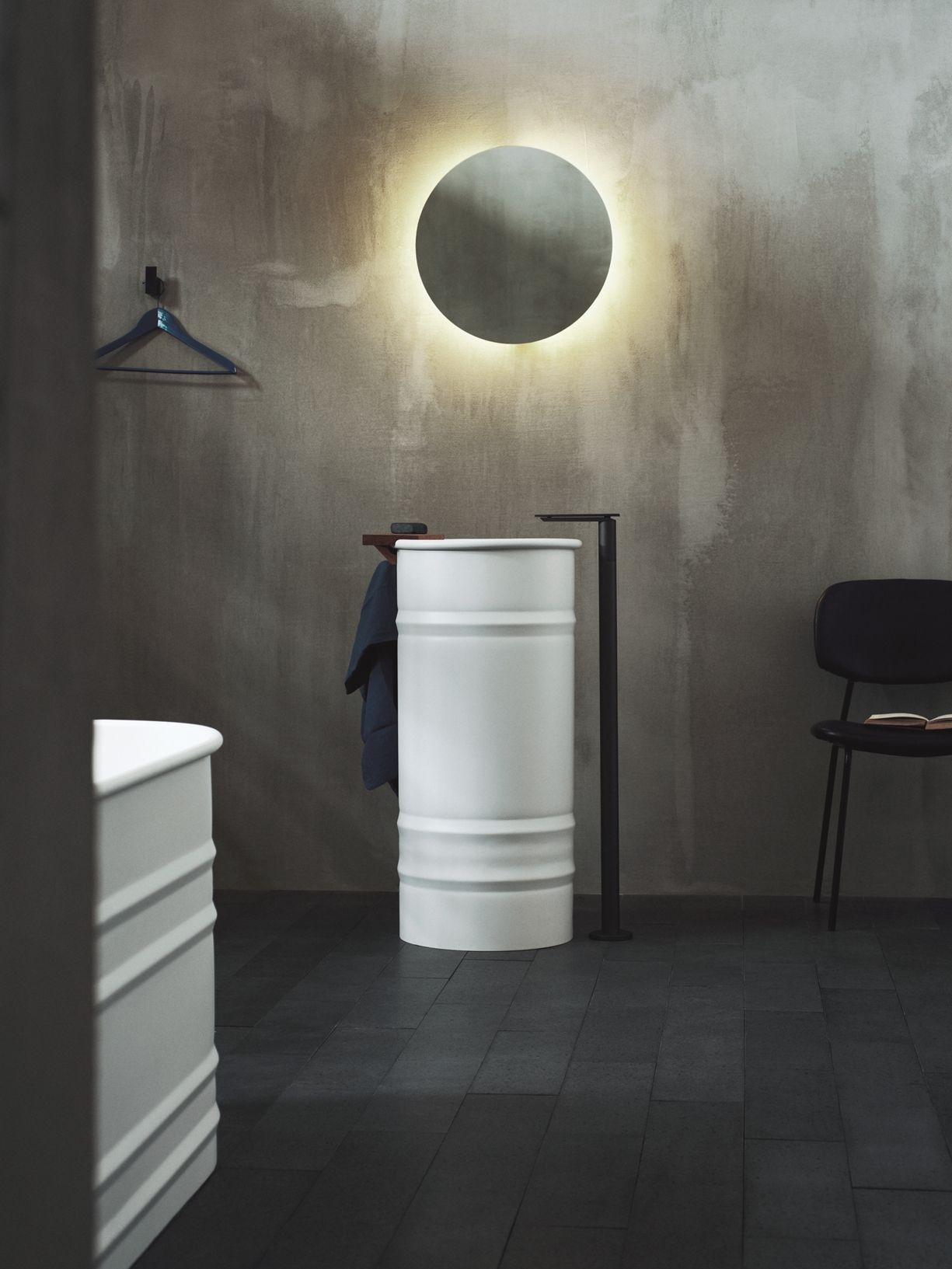 Il nuovo showroom agape a design post for Lavabo design