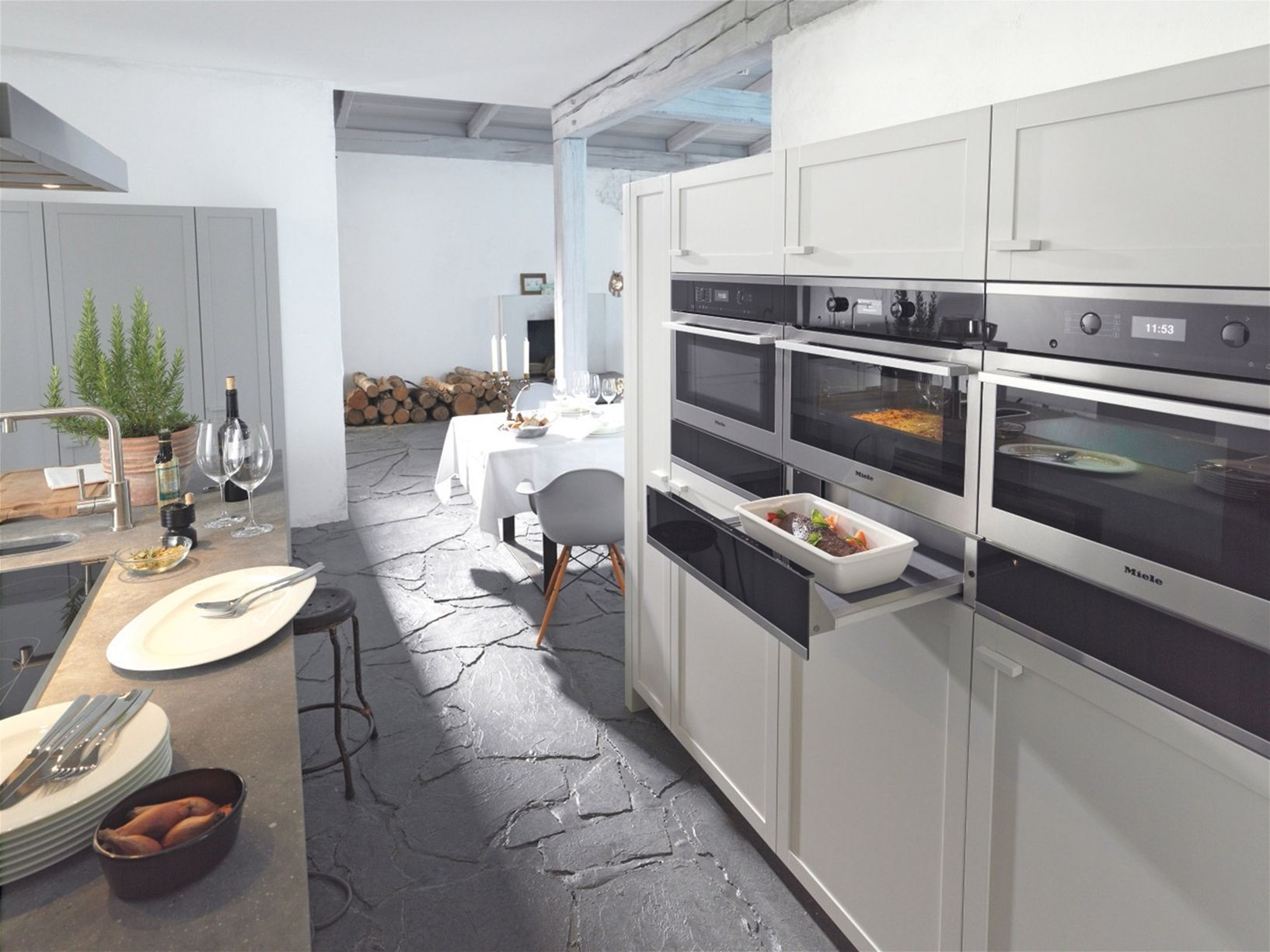 Miele presents new 39 pureline 39 and 39 contourline 39 for Miele kitchen designs