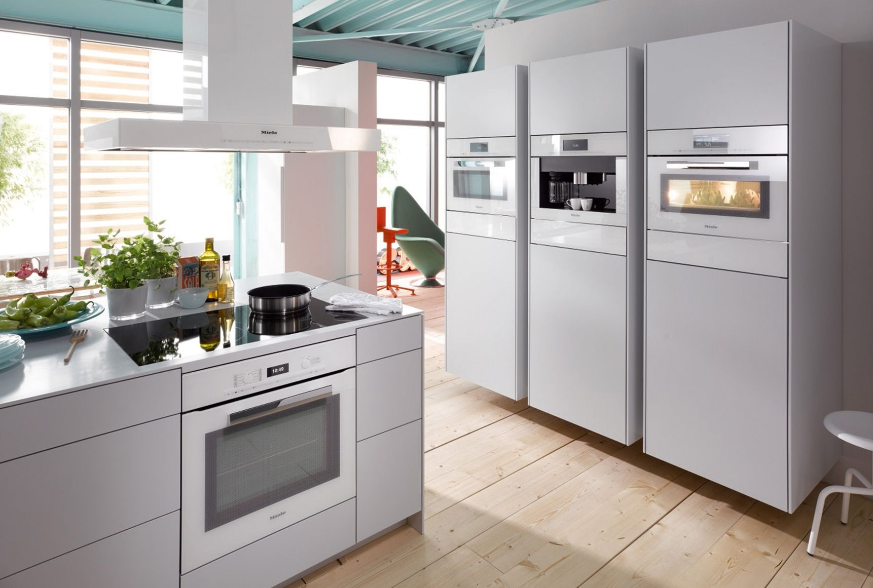 Miele presents new 39pureline39 and 39contourline39 for Küchen miele