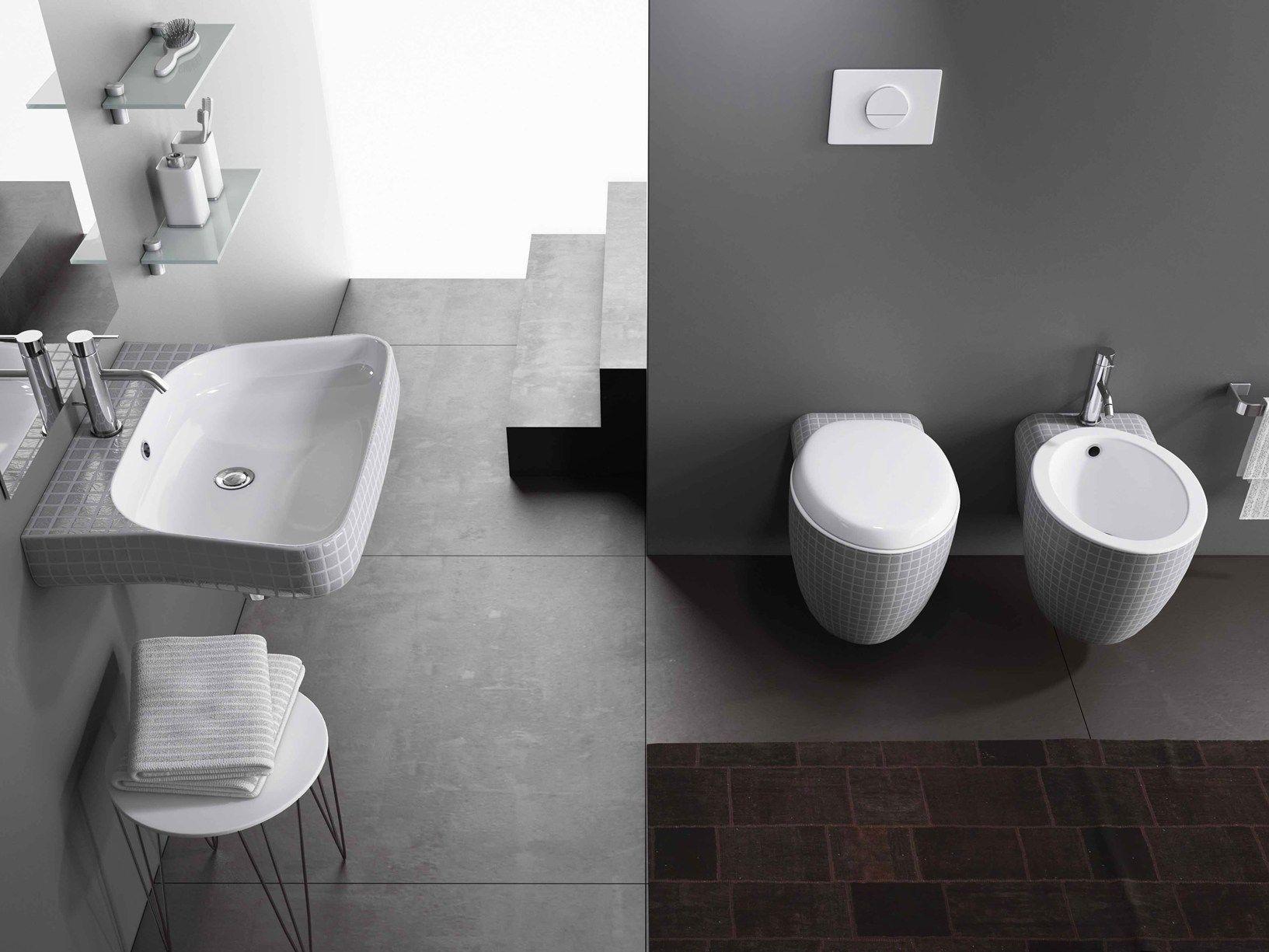 stile interpreta lambiente bagno con mosaiko