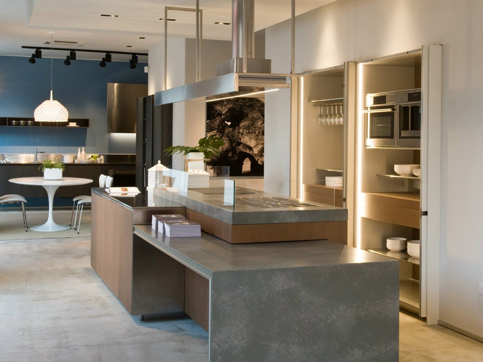 Ernestomeda inaugura il nuovo showroom di bari - Tutto cucine carre ...