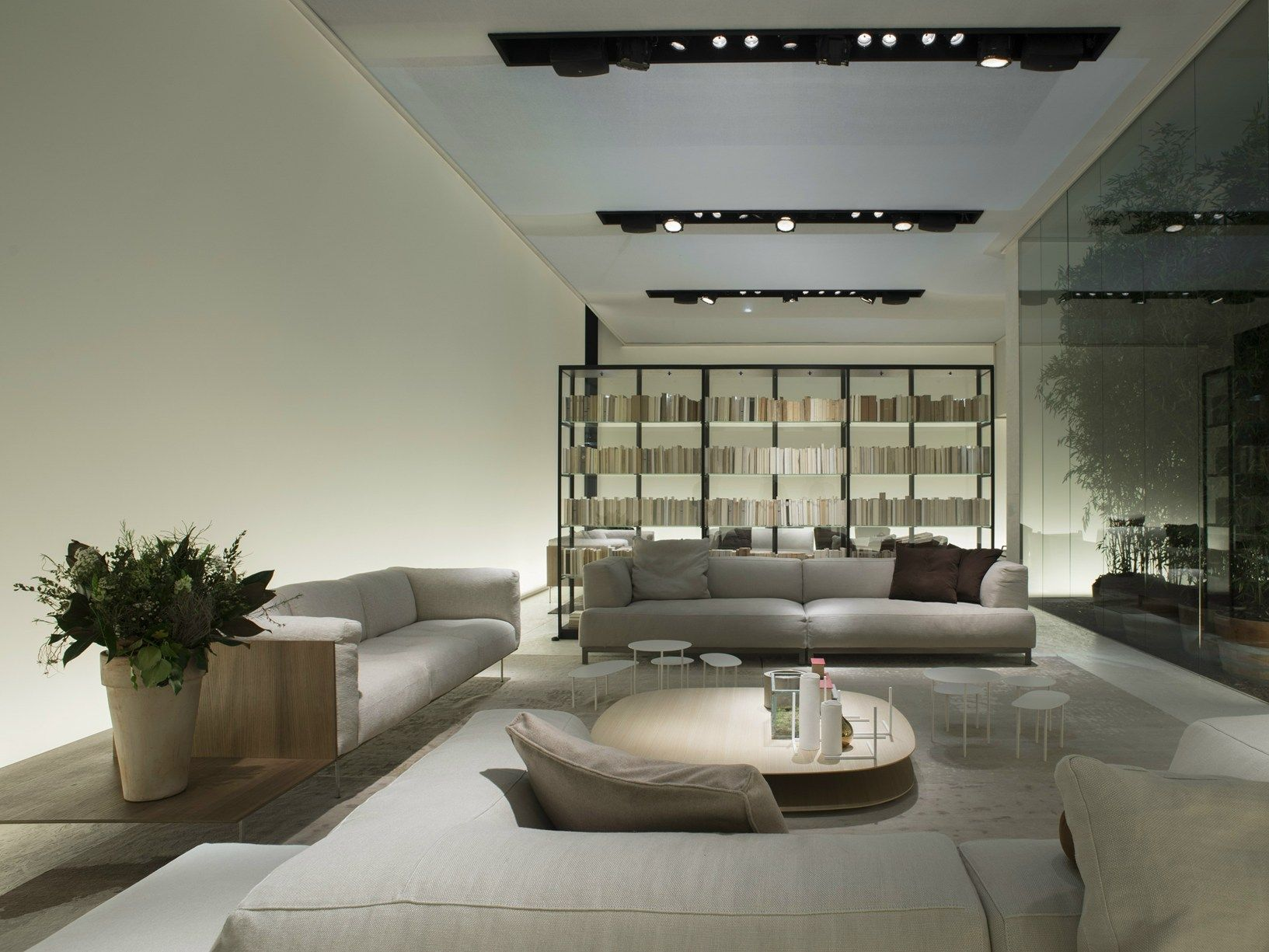 Living divani comfort sofisticato : Living divani a imm cologne