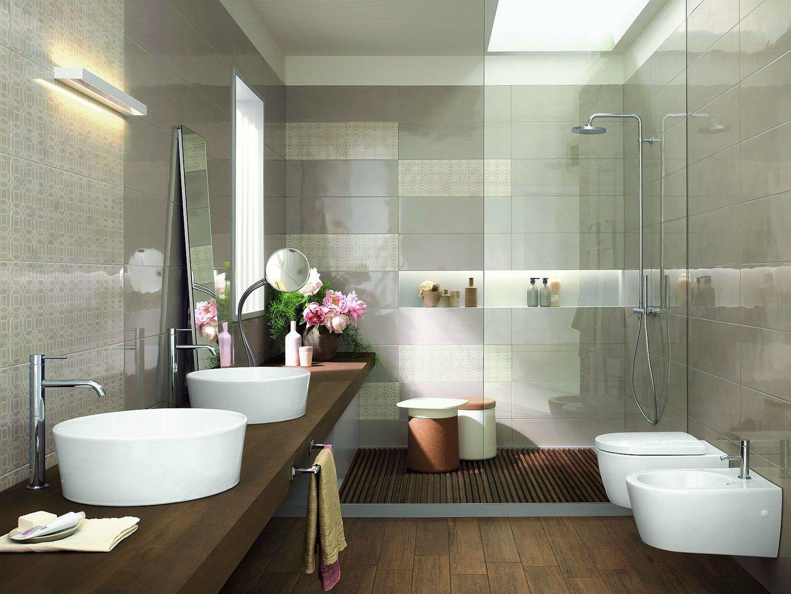 ragno interpreta lambiente bagno con handmade