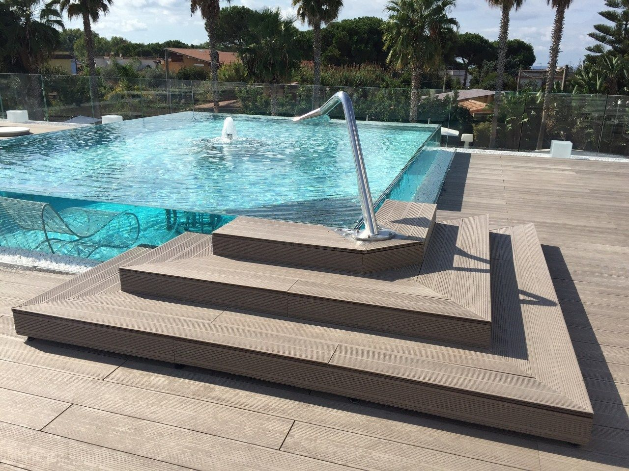 Nuovo look per il mec paestum hotel - Piastrelle per piscina ...