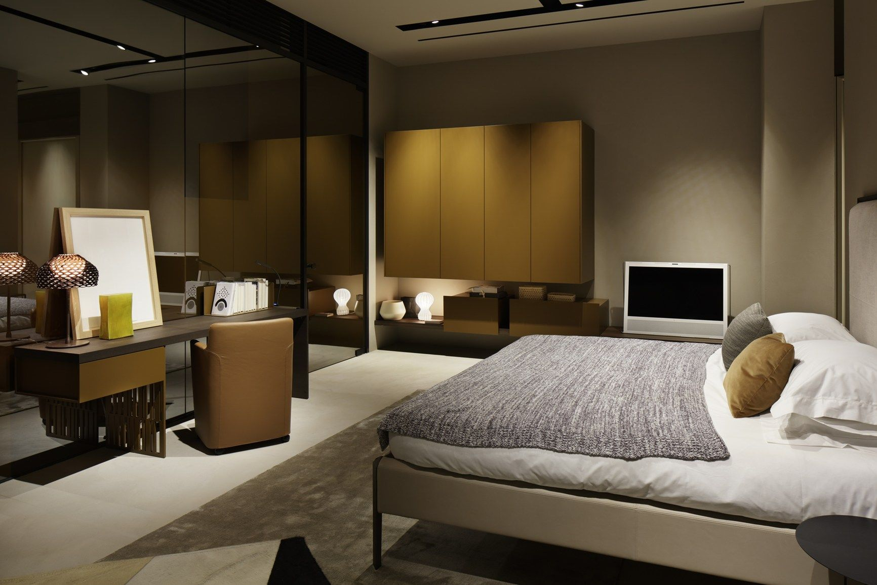 new molteni c flagship store designed by patricia urquiola opens in tokyo. Black Bedroom Furniture Sets. Home Design Ideas