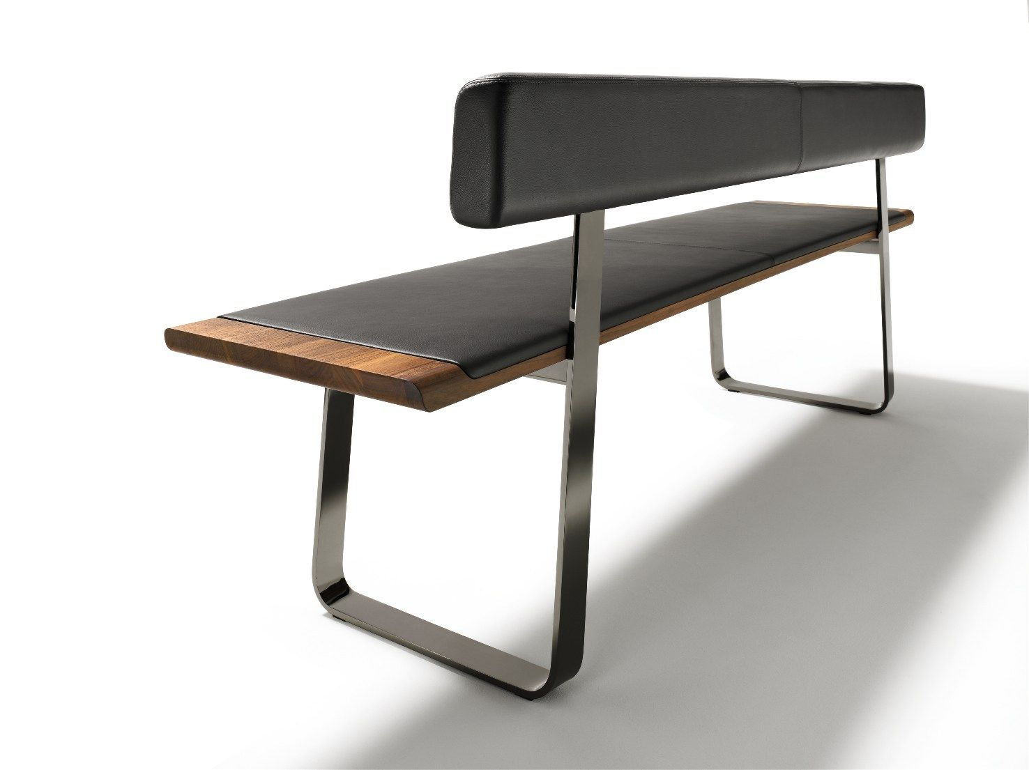 panche in legno naturale arricchite da metallo pelle e tessuto. Black Bedroom Furniture Sets. Home Design Ideas