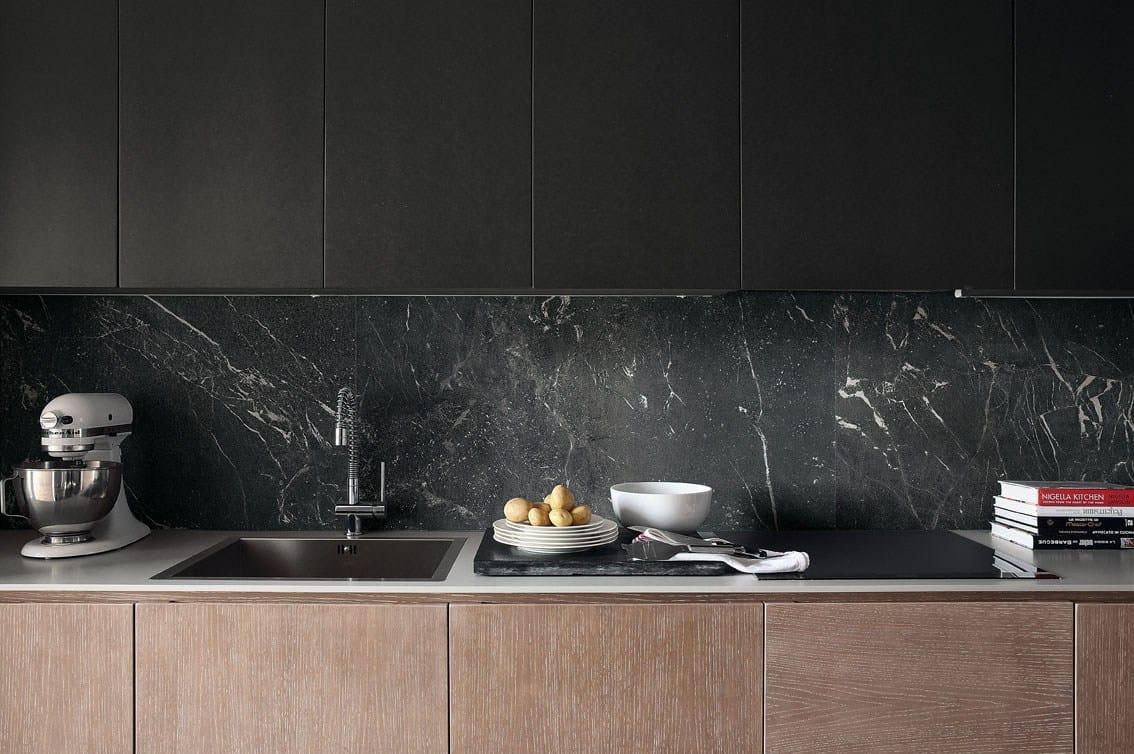 Roma l 39 avvolgente fascino del marmo e della pietra - Piastrelle metalliche ...