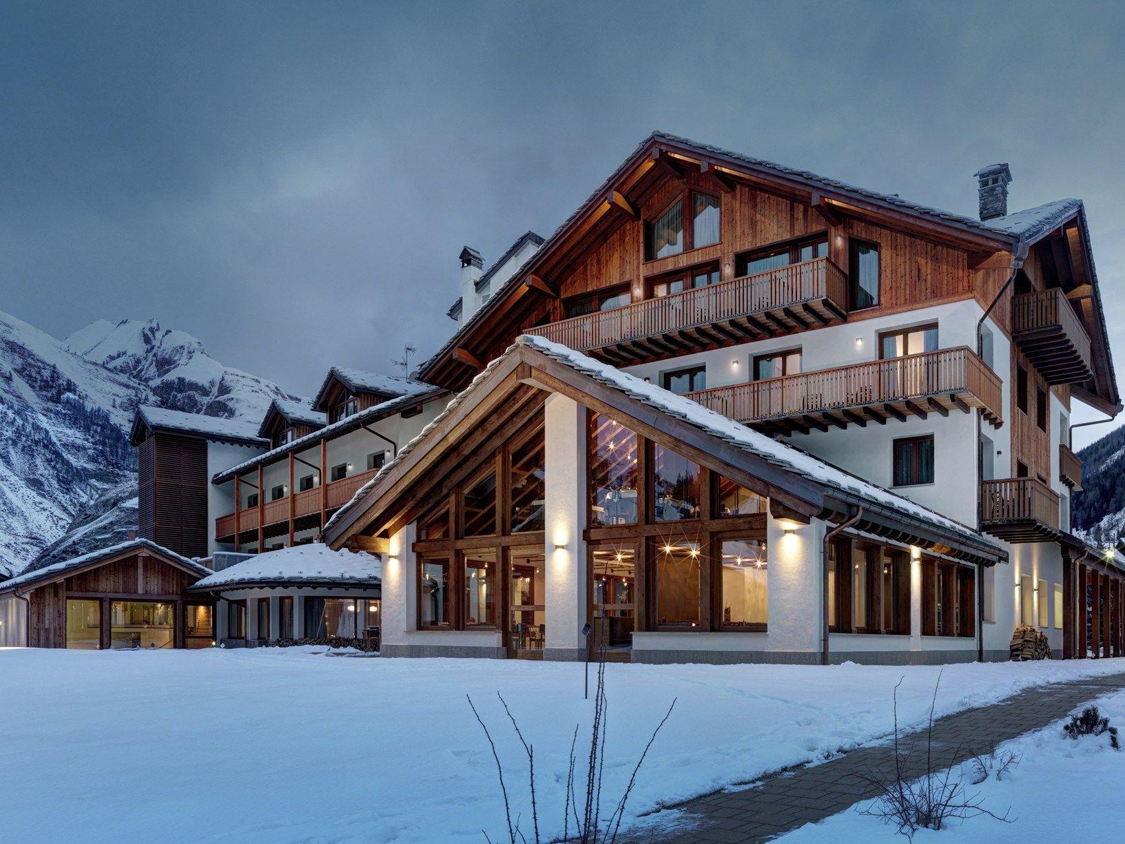 Nardi arreda i terrazzi dell 39 hotel nira montana in valle d for Design hotel valle d aosta
