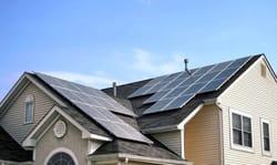 Pannelli fotovoltaici sui tetti, se il colore è omogeneo si tutela il paesaggio