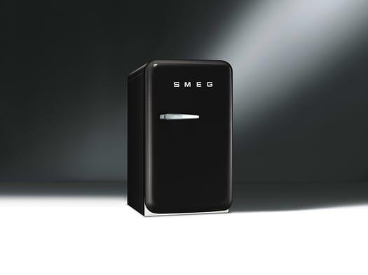 Smeg presents new FAB5 mini fridge