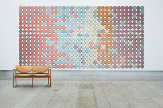 Baux dresses up and colors Workplace 3.0