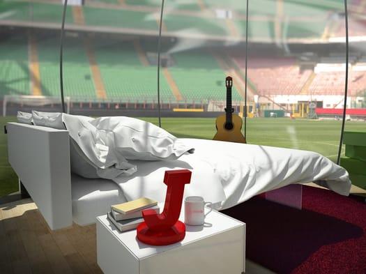 Cosa si prova a dormire in una 'bolla arredata' nello stadio di San Siro?