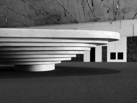 Omaggio al marmo di Carrara e alla sua potenza espressiva