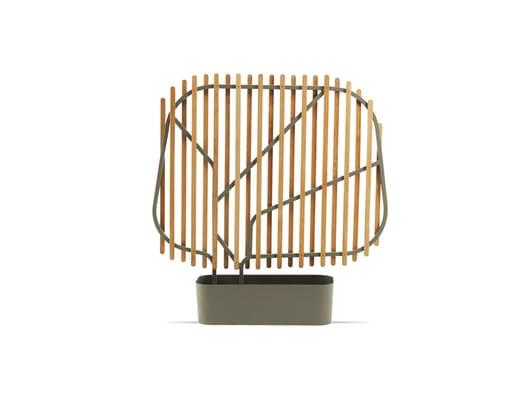 Clostra, una foglia stilizzata in teak e alluminio